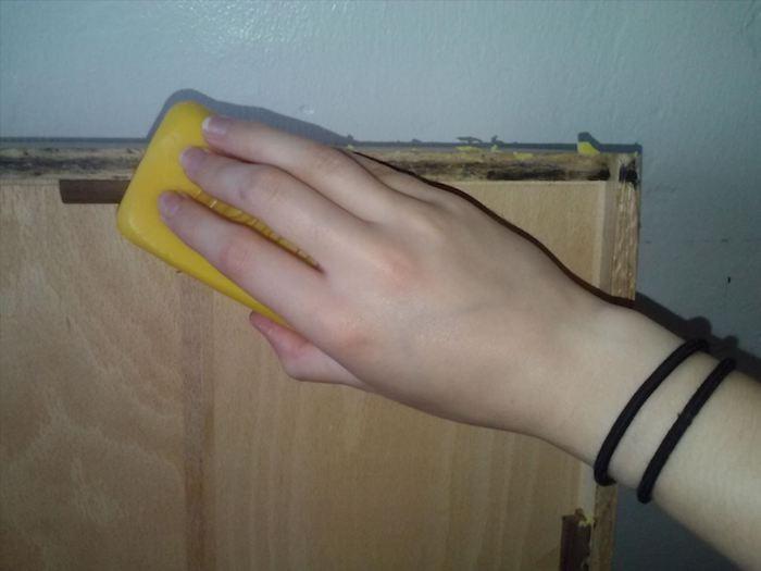 Мыло против скрипучих дверей и мебели.