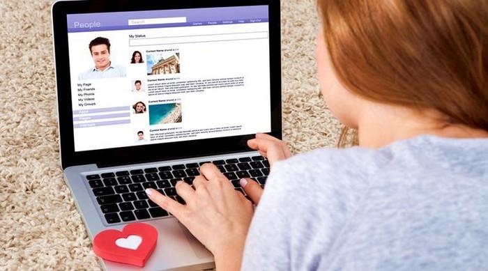 9 вещей,  которые мужчинам не стоит публиковать в социальных сетях (по мнению женщин)