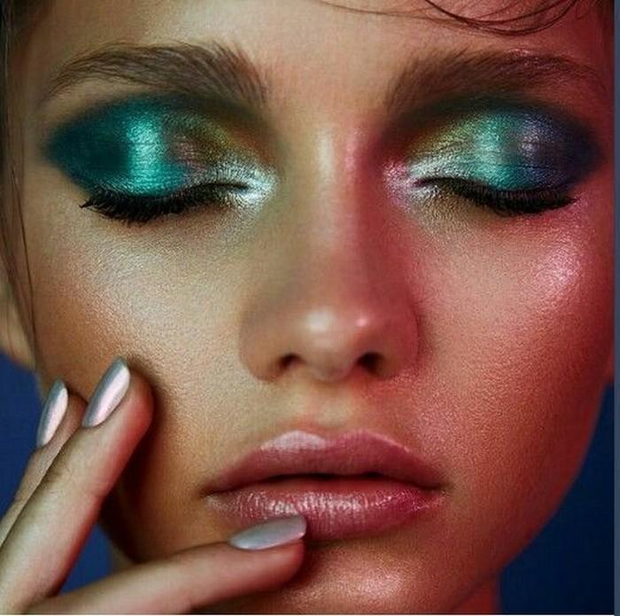 Металлический макияж для «продвинутых».