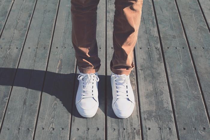 Уж слишком старые джинсы не добавляют привлекательности.