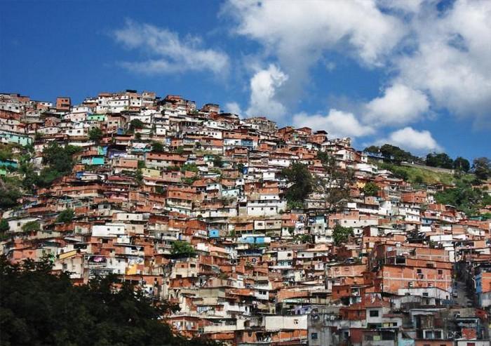 А на первый взгляд Каракас совсем не опасен.
