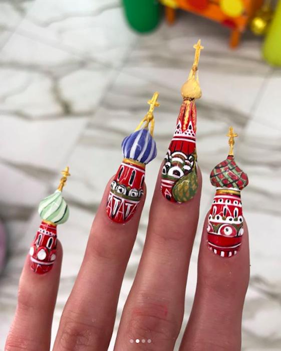 Московские мастера маникюра Nail Sunny знают, чем завоевать внимание публики.