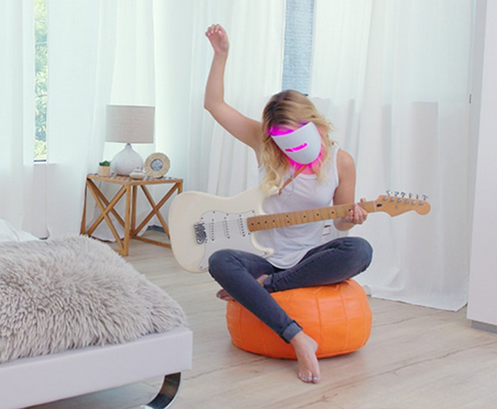 Маска Light Therapy Acne Mask  от Neutrogena или фототерапия против акне в домашних условиях