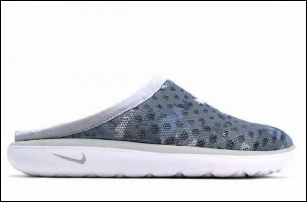 Почти домашние тапки Nike Air Rejuven8 Mule