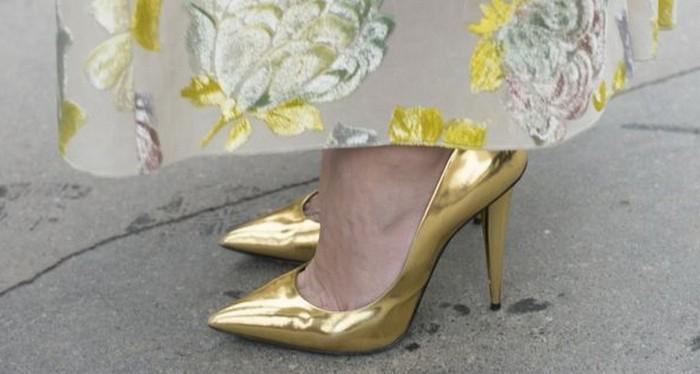 Золотые туфельки для современной Золушки.