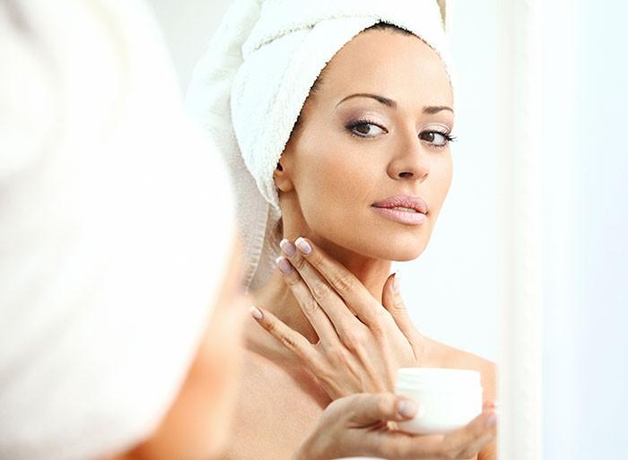 Лицо, шея и грудь требуют одинакового ухода, убежден дерматолог-консультант известного бренда.