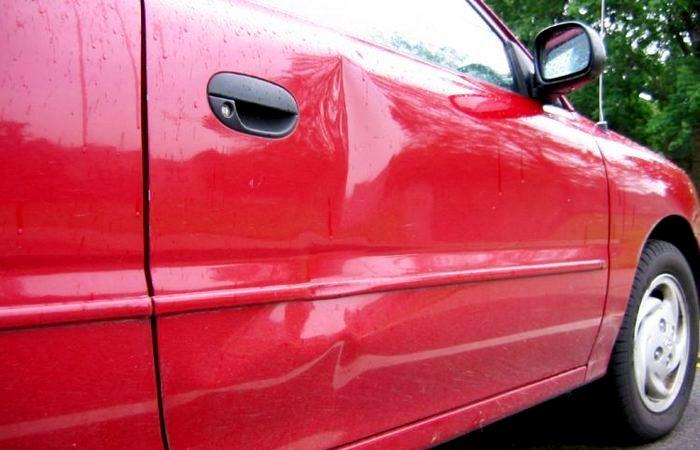 Как разглядеть вмятину на машине даже, когда её пытались скрыть.