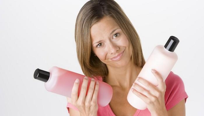 Некоторые эксперты советуют использовать средства для волос в обратном порядке.
