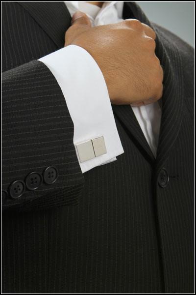 Обзор креативной одежды и аксессуаров в офисном стиле: USB-запонки