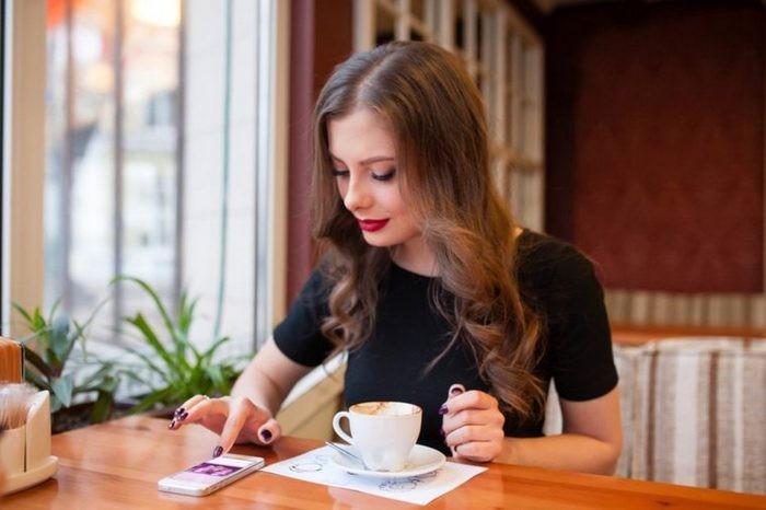 Типичная картина в любом кафе