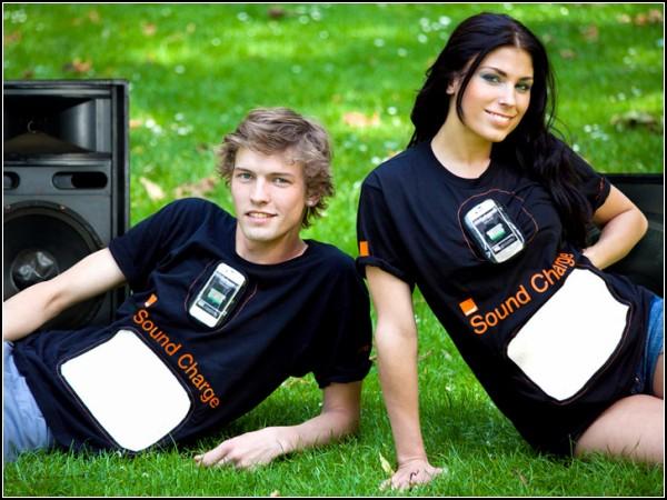 Футболки Sound Charge для зарядки мобильного телефона музыкой