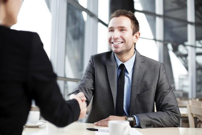 Работодатели ожидают, что «красавцы» будут вечно недовольны и хотеть большего.