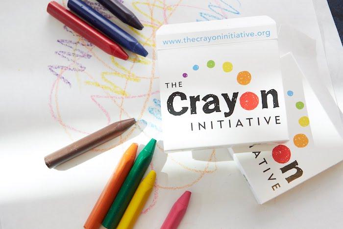 Волонтёрский проект «The Crayon Initiative» собирает и переплавляет «использованные» мелки из кафе и семейных ресторанов.