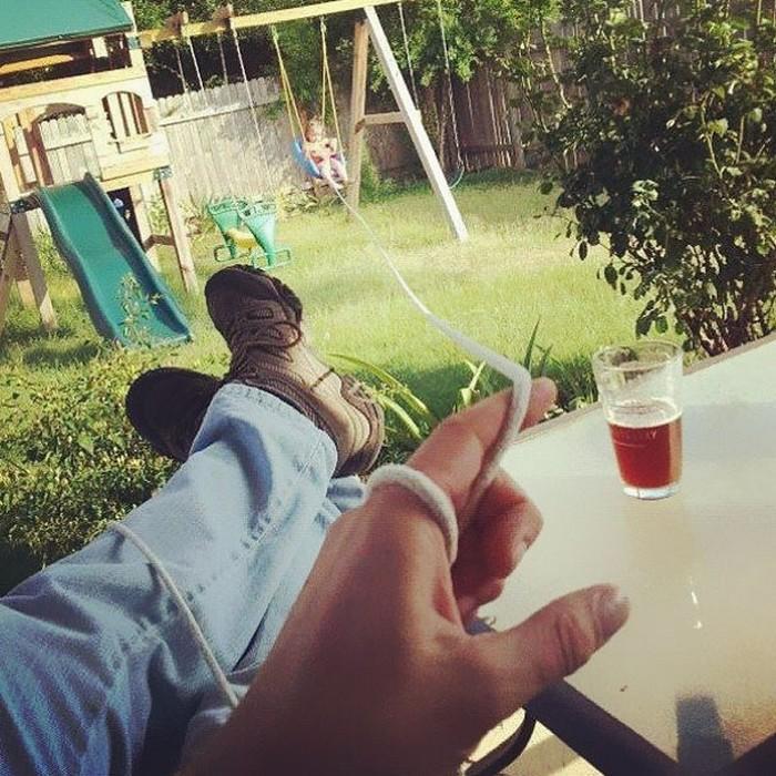 Папе нужно выпить пива.