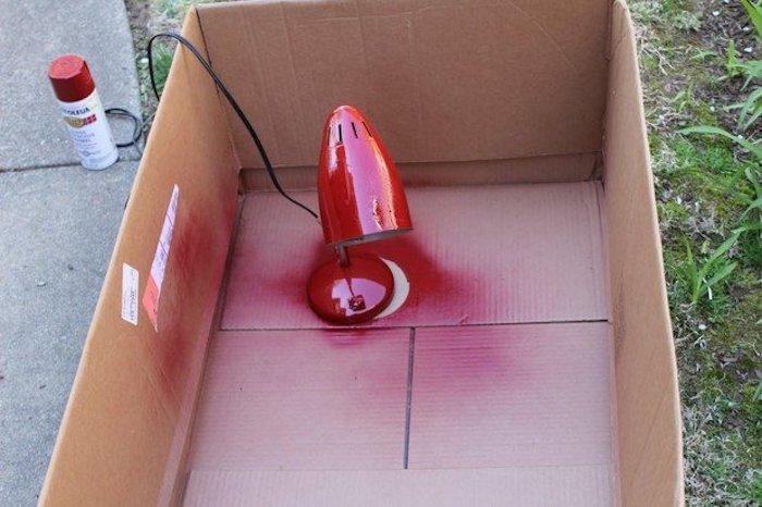 Как безопасно покрасить что-то аэрозольной краской.