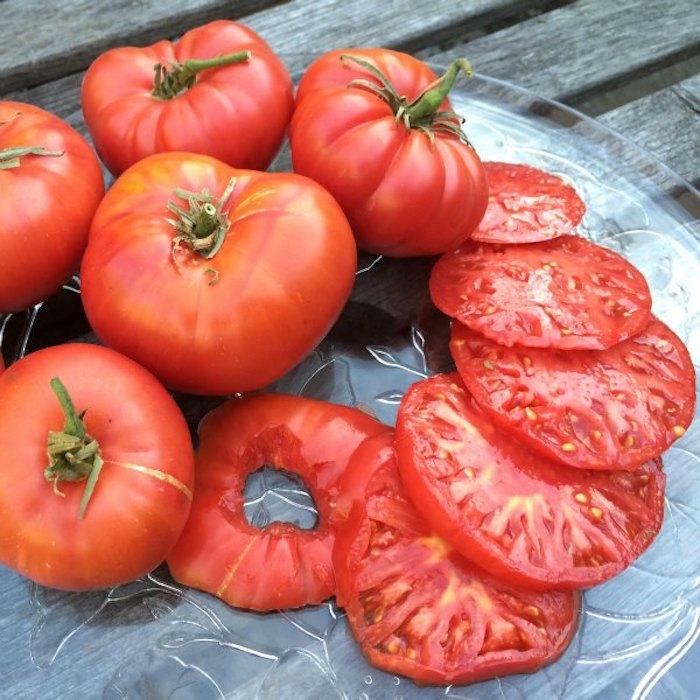Лакомиться томатами можно круглый год.