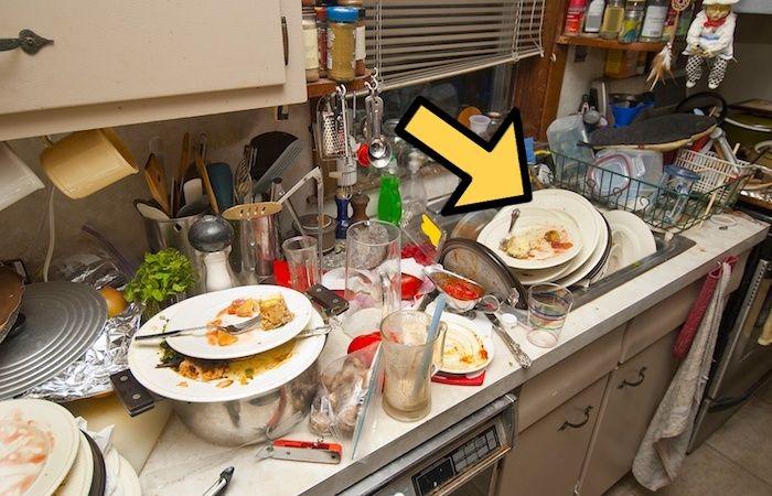 Миссия: перемыть посуду быстро, когда очень лень.