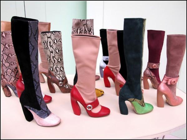 Семейство необычной обуви Prada пополняется