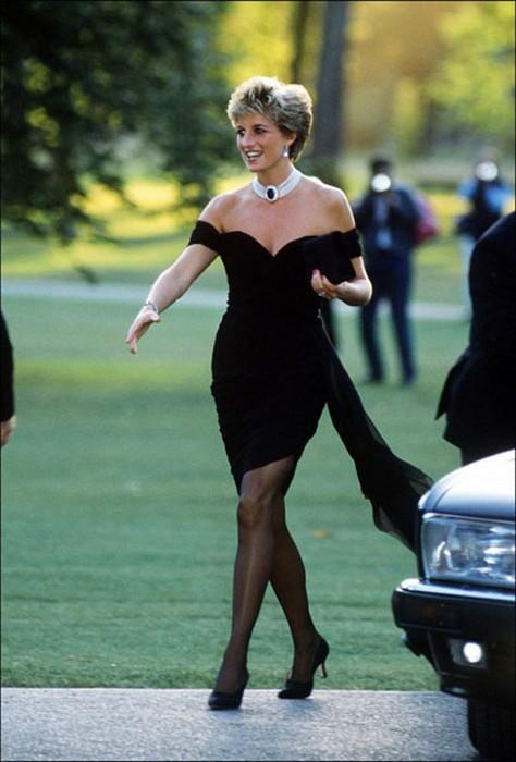 1994 год: то самое «платье-месть»