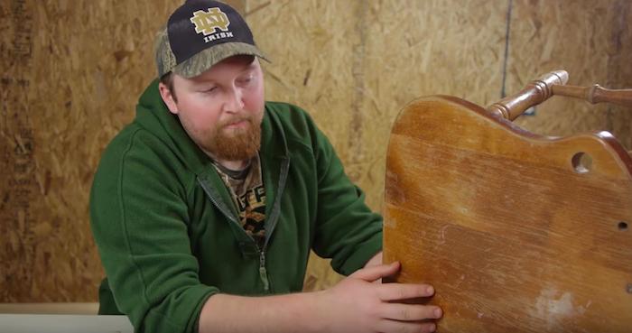 Реставратор Джошуа Клемент знает, как даже «побитую жизнью» мебель превратить в конфетку.