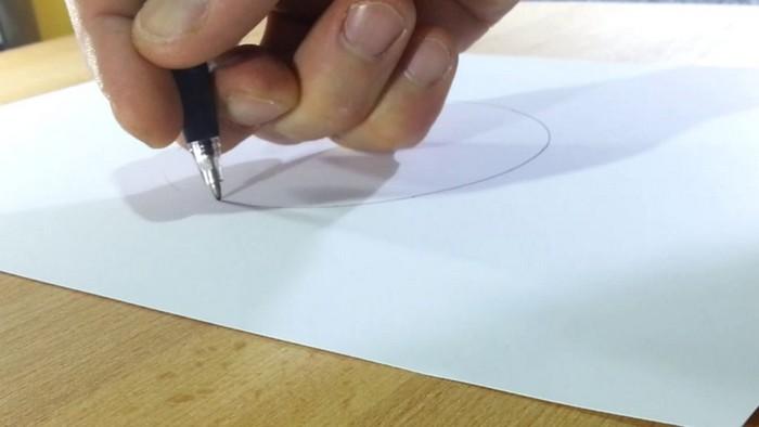 Как начертить идеальный круг от руки, без циркуля