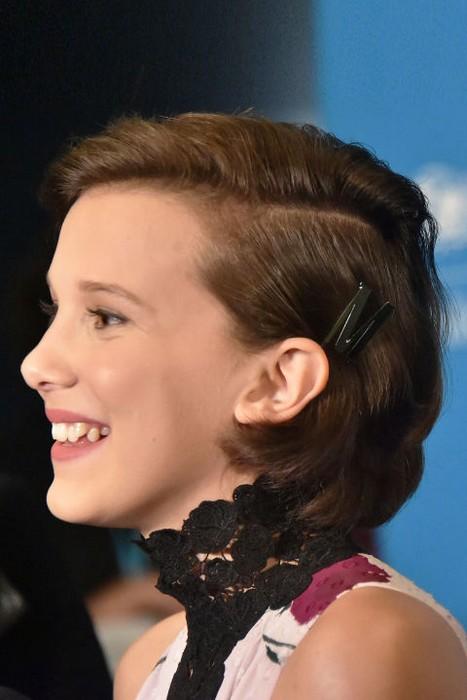 Отличная и стильная идея для коротких, но слегка отросших за лето волос