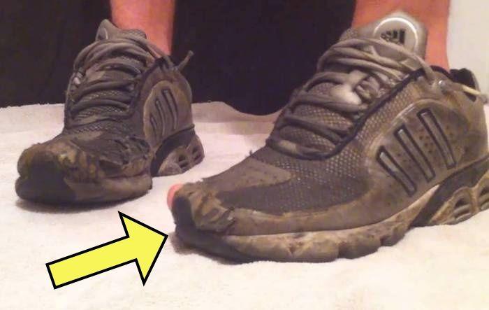 Возвращаем к жизни даже сильно побитые жизнью кроссовки.