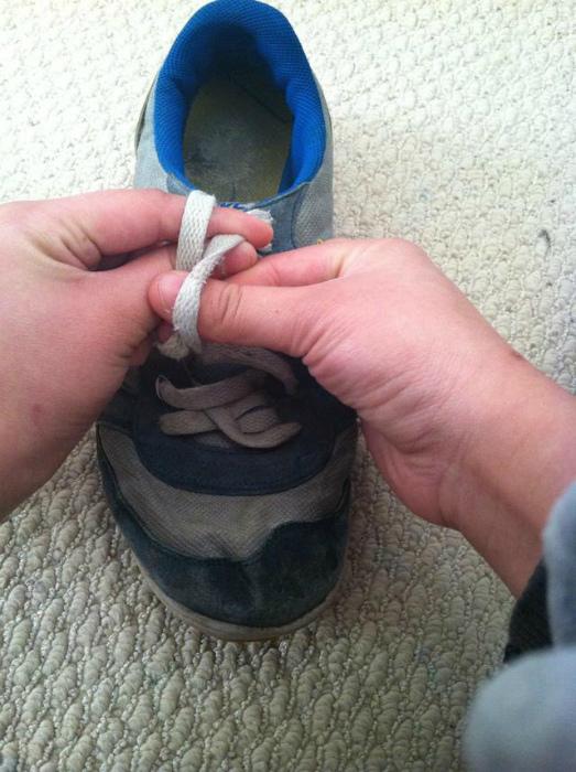 Как завязать шнурки за одну секунду