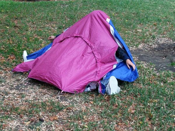 Walking-Shelter – кроссовки и палатка одновременно