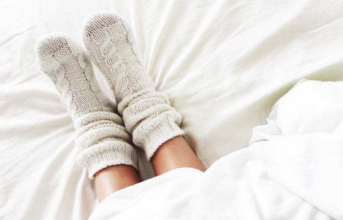 Носки в постели даже нужнее, чем пижама