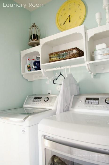 Подвесная вешалка в ванной комнате