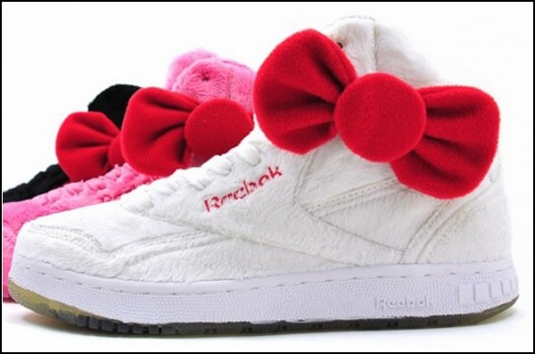 Обзор необычных решений самой удобной обуви: плюшевые кроссовки для кавайных девушек