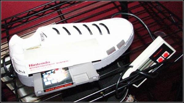 Обзор необычных решений самой удобной обуви: кроссовки для геймеров