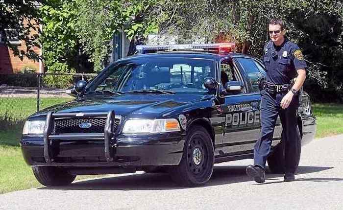 Спустя день после публикации в дверь молодой семьи постучала полиция.