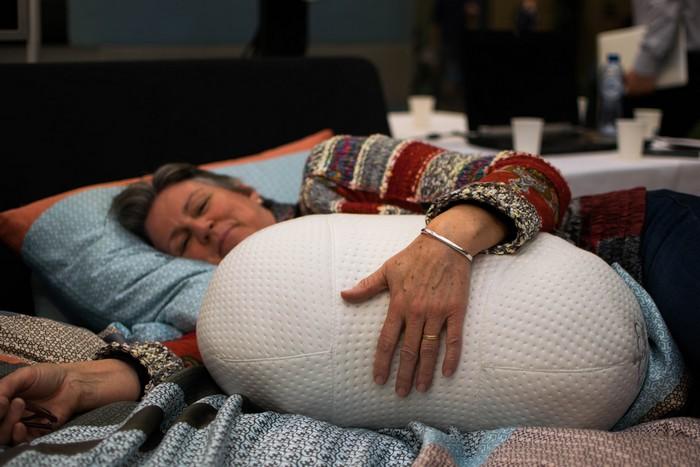 Somnox – подушка-робот, которая поможет победить бессонницу