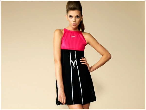 Дизайн платья-купальника навеян 50-ми годам прошлого века