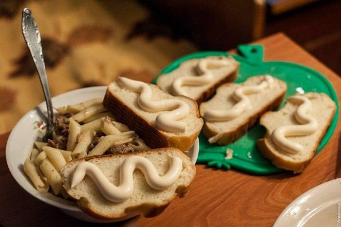 Макароны и хлеб просто созданы друг для друга.