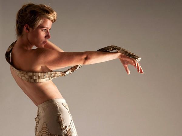 Натуральный заменитель змеиных шкурок от  Стефани Ниювинхайс (Stefanie Nieuwenhuys)