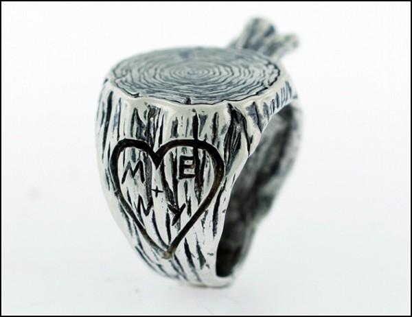 «Деревянное» кольцо с инициалами