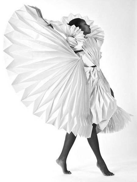 «Мобильные скульптуры» - карнавальные костюмы из необычных материалов