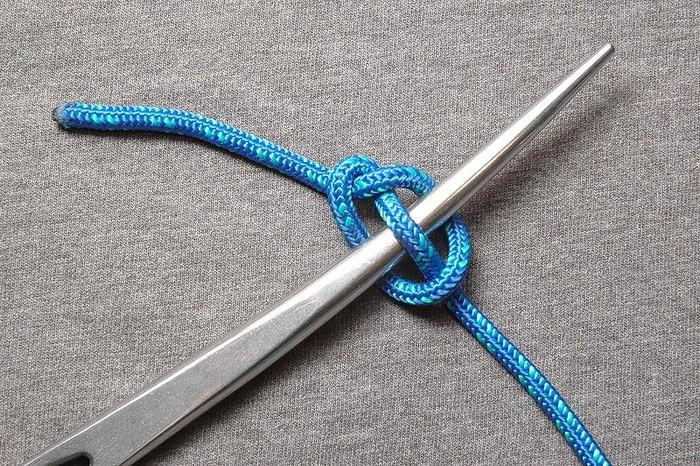 Учимся делать универсальный узел-крепление, который пригодится в любой ситуации