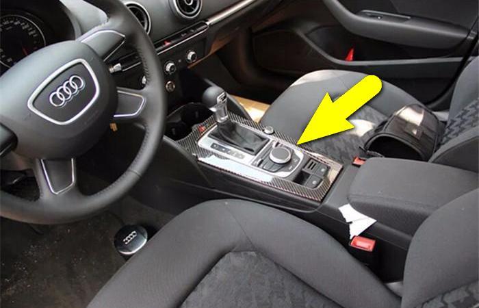 Не самый очевидный ход: тайник в машине.