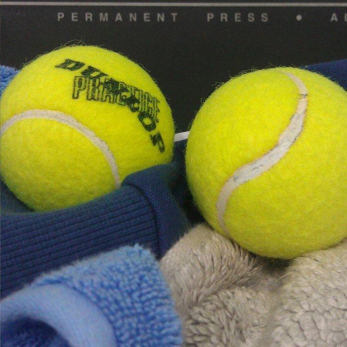 Смягчитель для стирки из мячей для тенниса.
