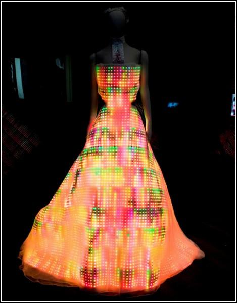 Технологии моды: платье Galaxy Dress от CuteCircuit