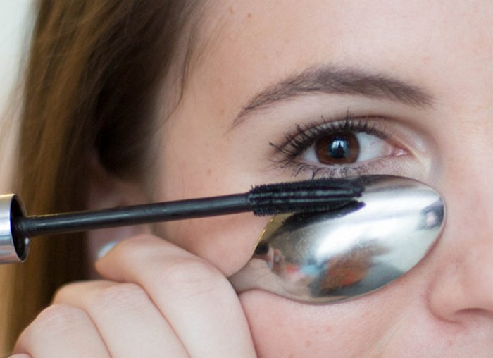 20 бьюти-хаков для красивых и густых ресниц без наращивания