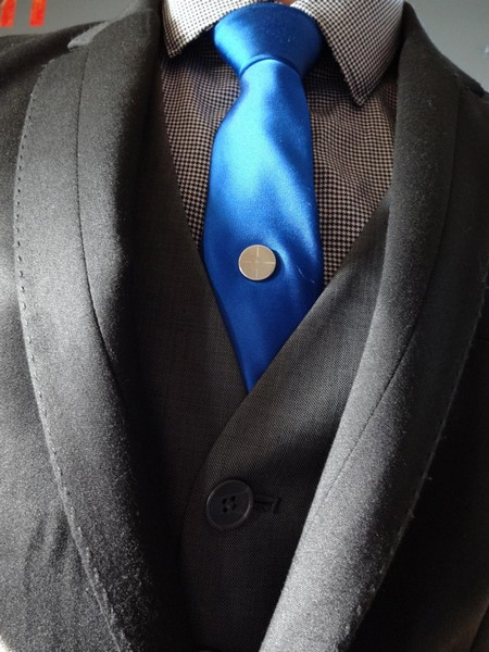 Магниты для галстука Tie Mags – оригинальная альтернатива зажимам