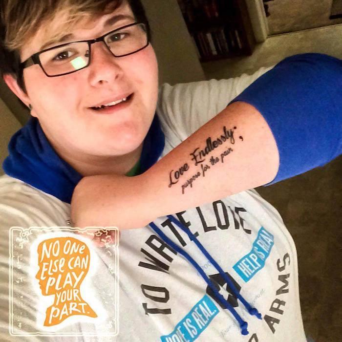 Поборов депрессию, девушка сделала татуировку и поделилась своей историей в Сети.