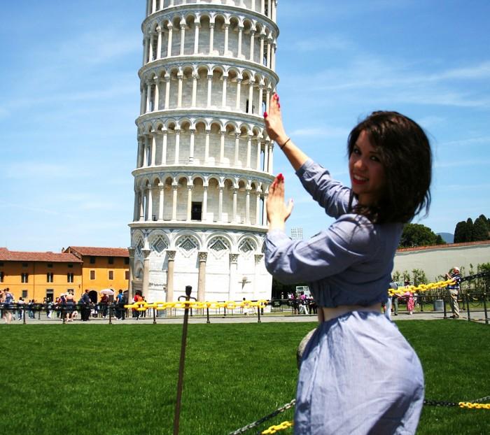 Только на туристической поддержке, бедная, и держится почти семь столетий…