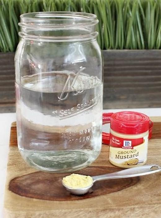Стеклянной банке хватит нескольких минут, чтобы полностью избавиться от запаха.
