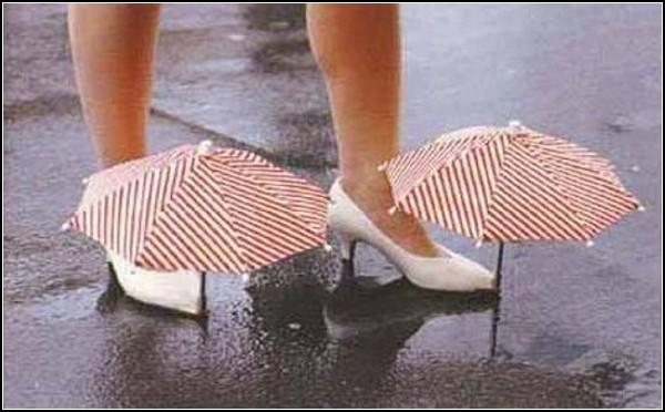 Обзор необычных галош и модных резиновых сапог: зонтики для обуви